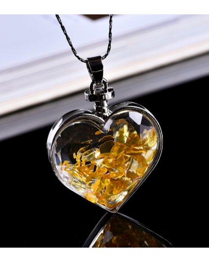 Jemný náhrdelník se srdíčkem a kousky citrínu