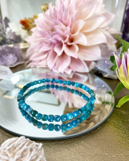 Luxusní náramek z minerálu fazetovaný modrý apatit 4mm AAA kvalita