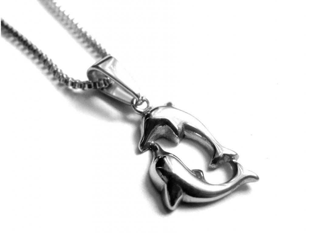 řetízek s přívěskem - chirurgická ocel - delfíni - 090388