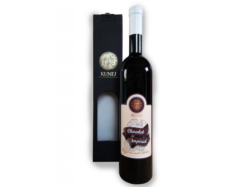 Čokoladno vino s embalažo obrezano