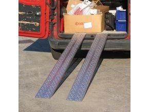 Nájezdová rampa HOBBY, pár, délka 2000 x šířka 200 mm, 400 kg