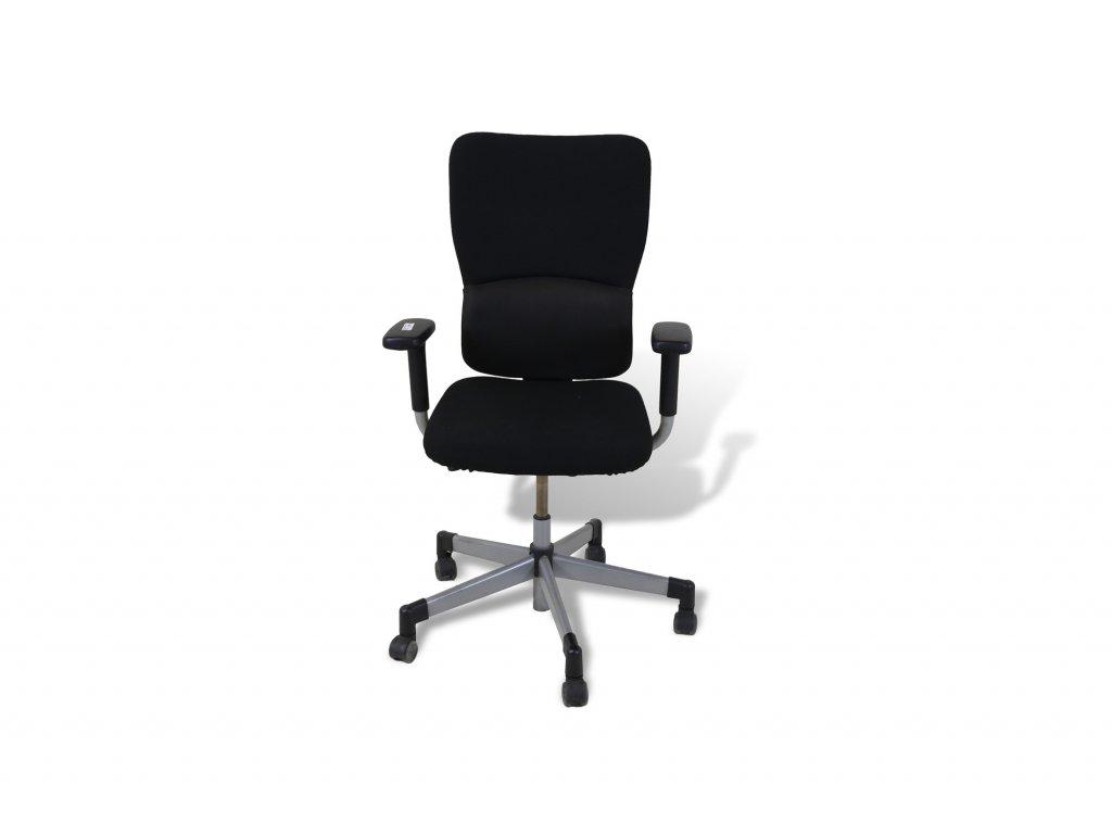 Židle kancelářská, Steelcase černá, šedé nohy