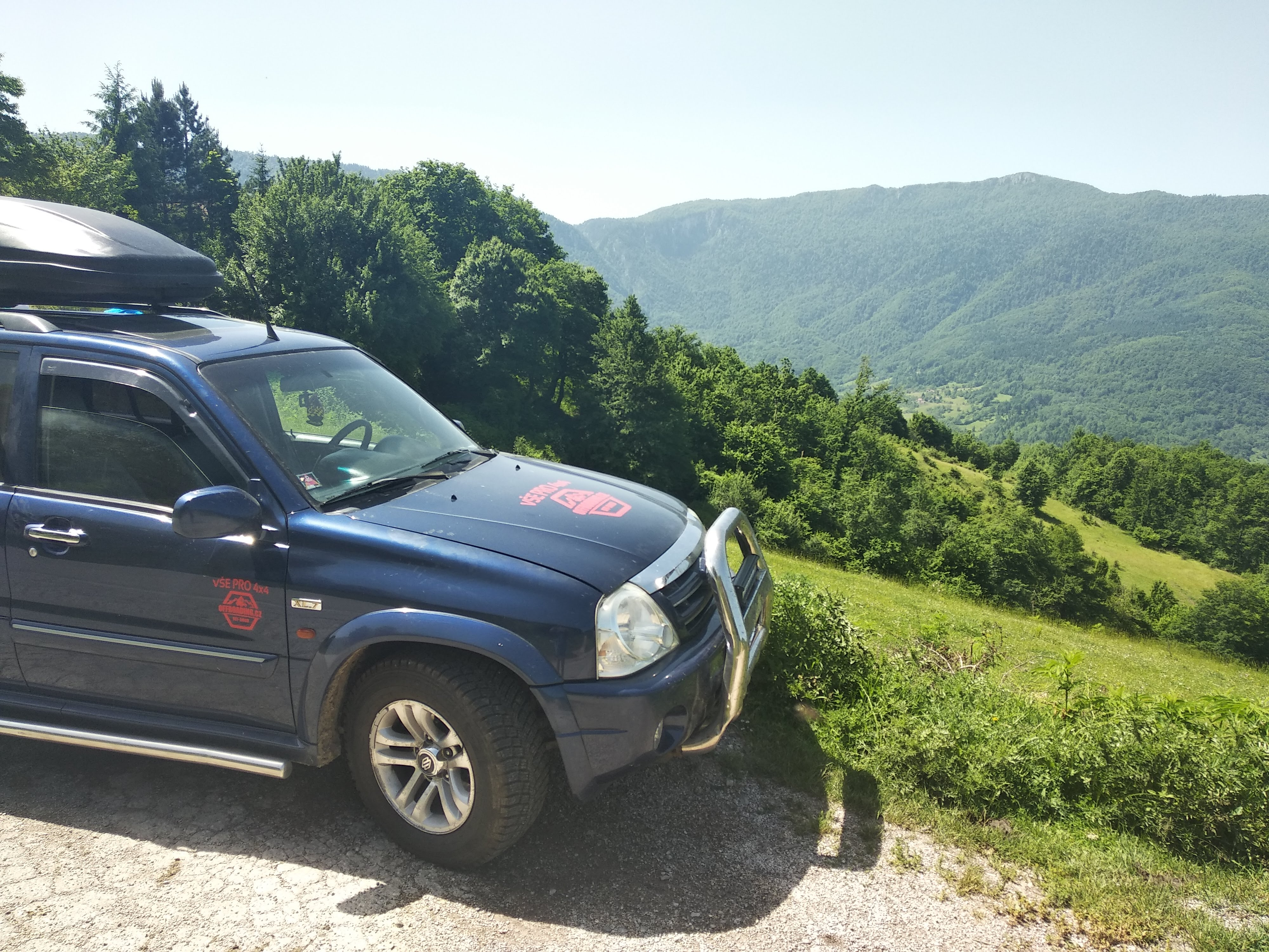 Super hrrr akce Albanie, Černá Hora, Bosna
