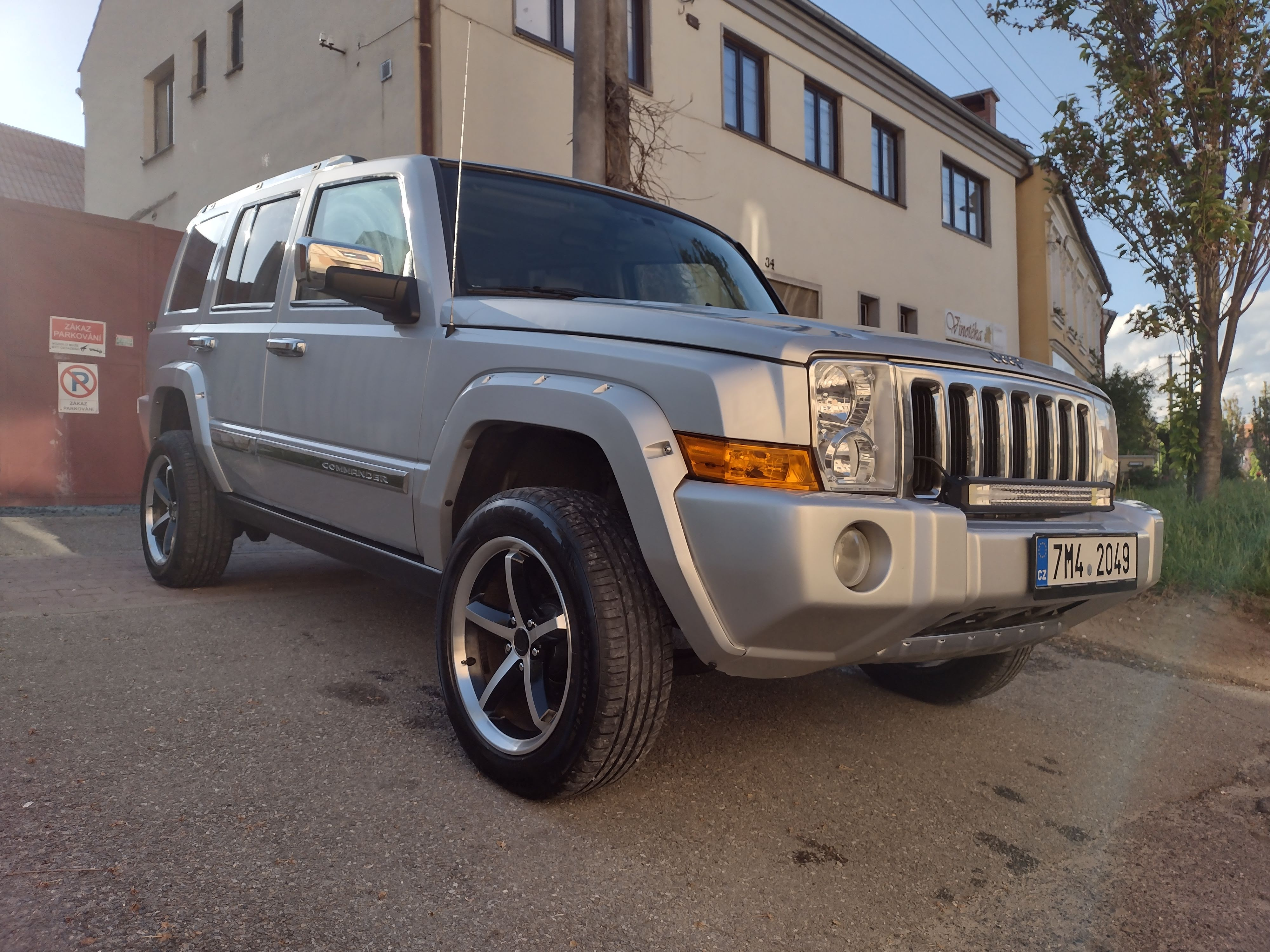 Jeep Commander 5.7 Hemi