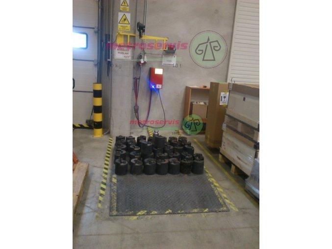 Akreditovaná kalibrace vah do 2 000 kg