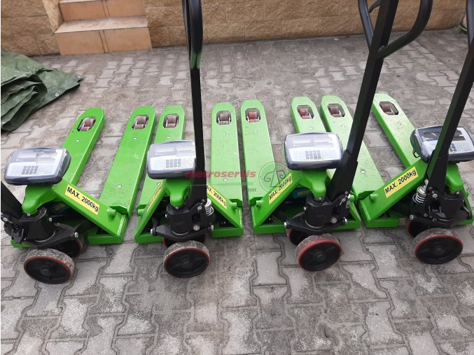 Půjčovné paletových vozíků s váhou - den