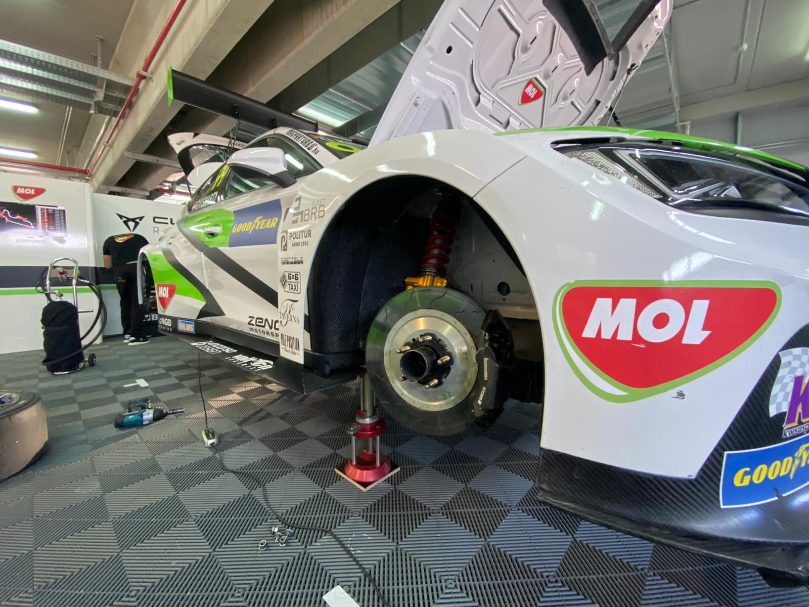 Zengo Motorsport Cupra TCR