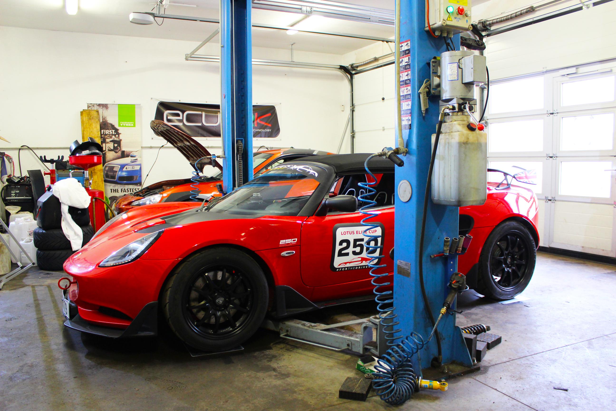 Lotus Elise Cup 250 - TTX36