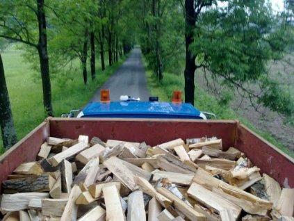 kontejner dřevo