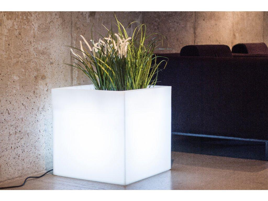 Svítící květináč ve tvaru krychle, LED květináč