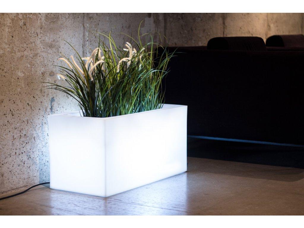 LED květináč, obdélníkový štíhlý svítící květináč do exteriéru