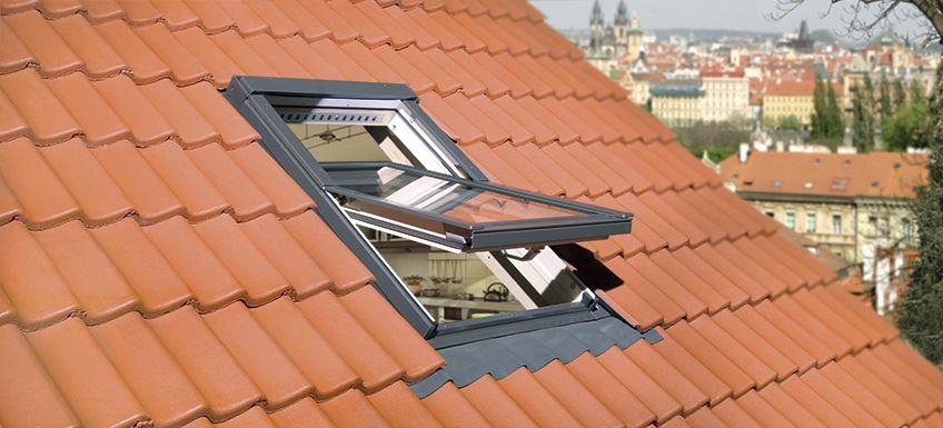 Kyvná střešní okna