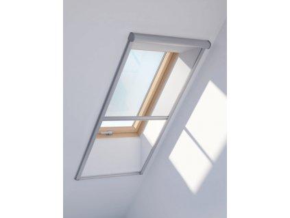 sit proti hmyzu pro stresni okna