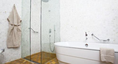Koupelny bez oken a klima