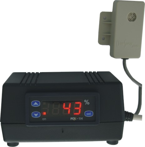 Regulátor vlhkosti s externím čidlem - C/F, hygrostat do zásuvky 999174