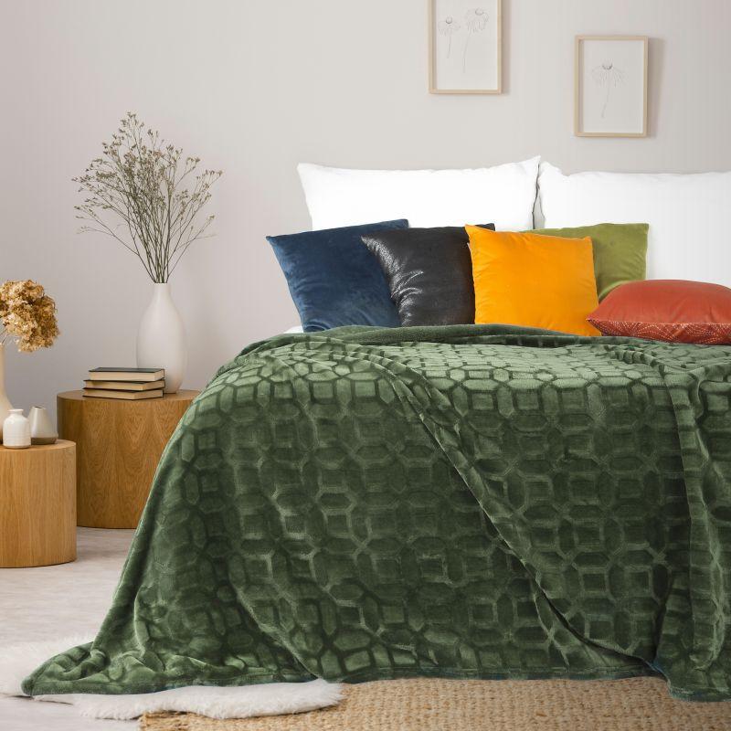 Jemná olivová deka DIANA s 3D efektom 150x200 cm