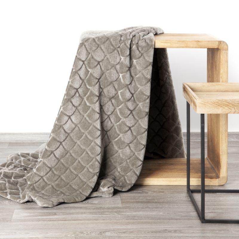 Mäkká béžová deka MERY s 3D efektom 150x220 cm