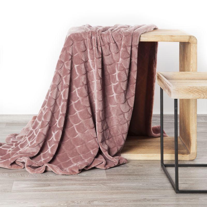 Mäkká ružová deka MERY s 3D efektom 150x200 cm