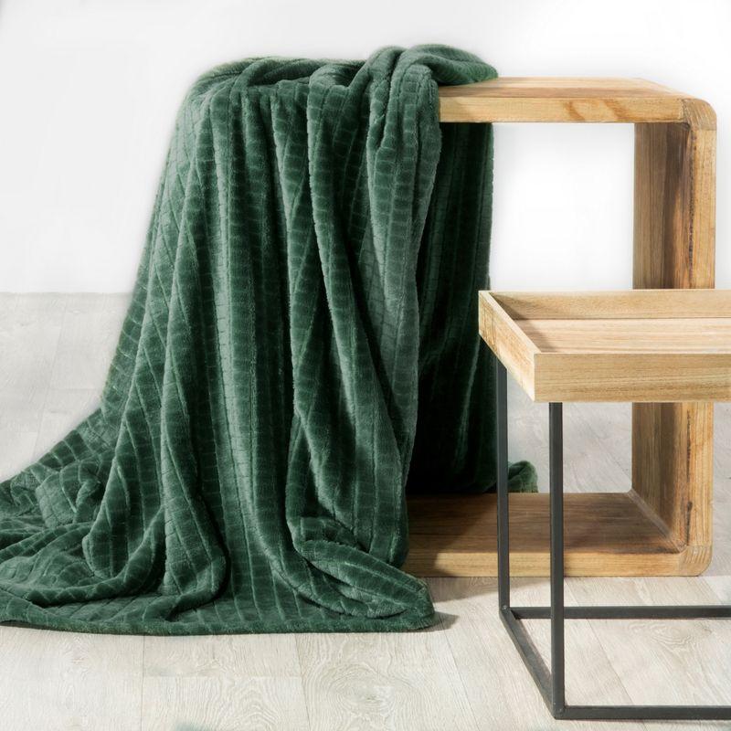 Eurofirany Hebká zelená deka CINDY2 s 3D efektom 200x220 cm
