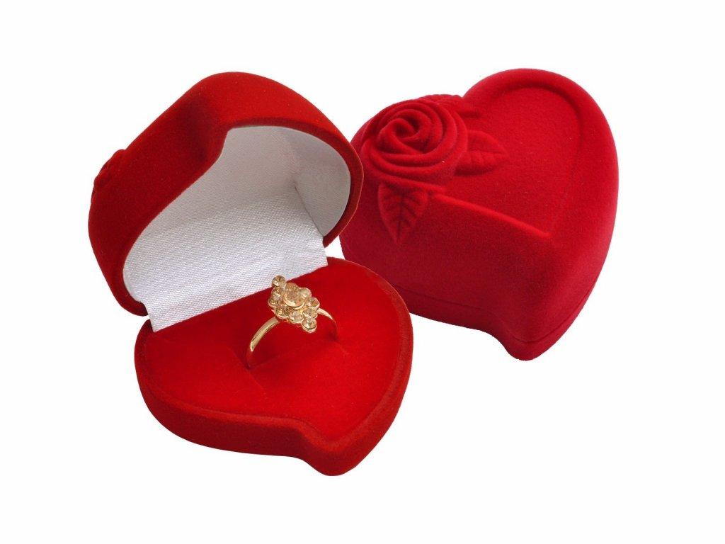 Dárková sametová červená krabička SRDCE s růží