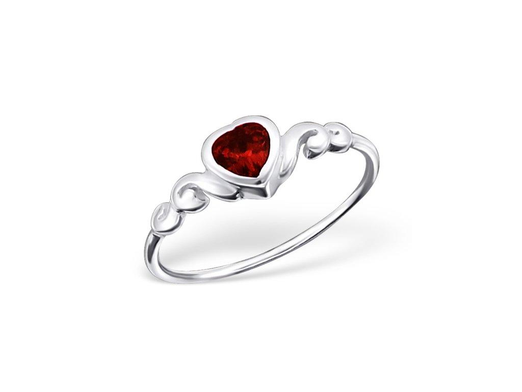 stříbrný prsten červené srdce