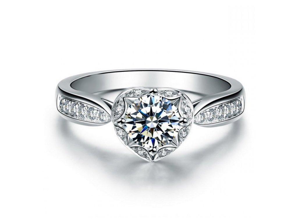 Stříbrný prsten SRDCE od OLIVIE. Krásný dárek k Valentýnu pro ženu.