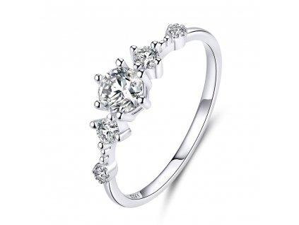Stříbrný zásnubní prsten od OLIVIE. Nejkrásnější dárek pro ženu.