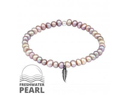 Stříbrný náramek se sladkovodními perlami a pírkem