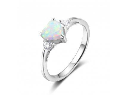 Stříbrný prsten BÍLÉ OPÁLOVÉ SRDCE, nejkrásnější vánoční, valentýnský nebo narozeninový dárek, jaký může žena dostat.Koupíte na OLIVIE.cz