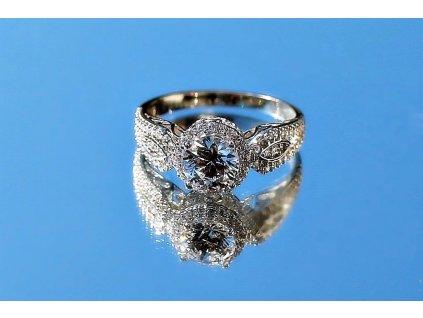 1362 Stříbrný prsten se Swarovski zirkony  Ag 925; 2,93 g.