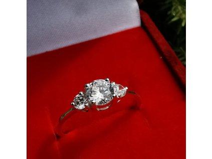 Nejkrásnější dárek pro dívku, partnerku, ženu. Stříbrný prsten. Dárek k Vánocům.