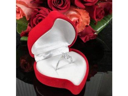 Stříbrný prsten od Olivie, Valentýn