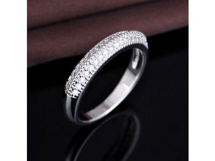 Stříbrný prsten s čirými zirkony od Olivie