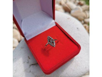Stříbrný vintage prsten