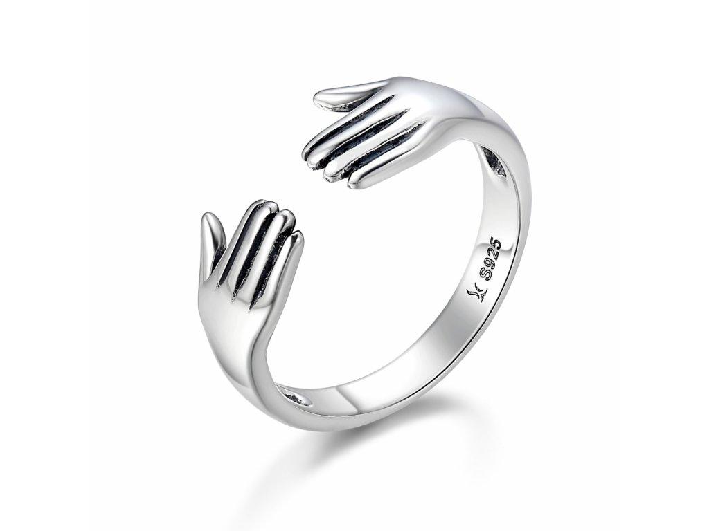2952 Strieborný prsteň OBJATIE