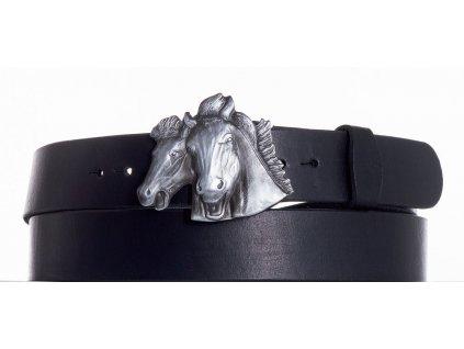 černý kožený pásek koně