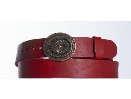 červený kožený opasek ovál