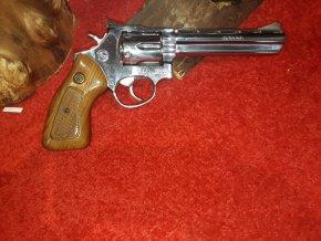 Revolver Taurus 689