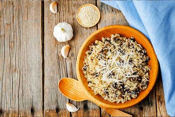 quinoa-houby-cesnek
