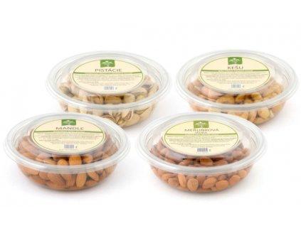 Mixy ořechů a ovoce: kalifornské pistácie, mandle, kešu, rozinky a meruňky