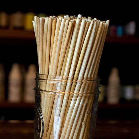 straw-by-straw-slamova-brcka-ctverec