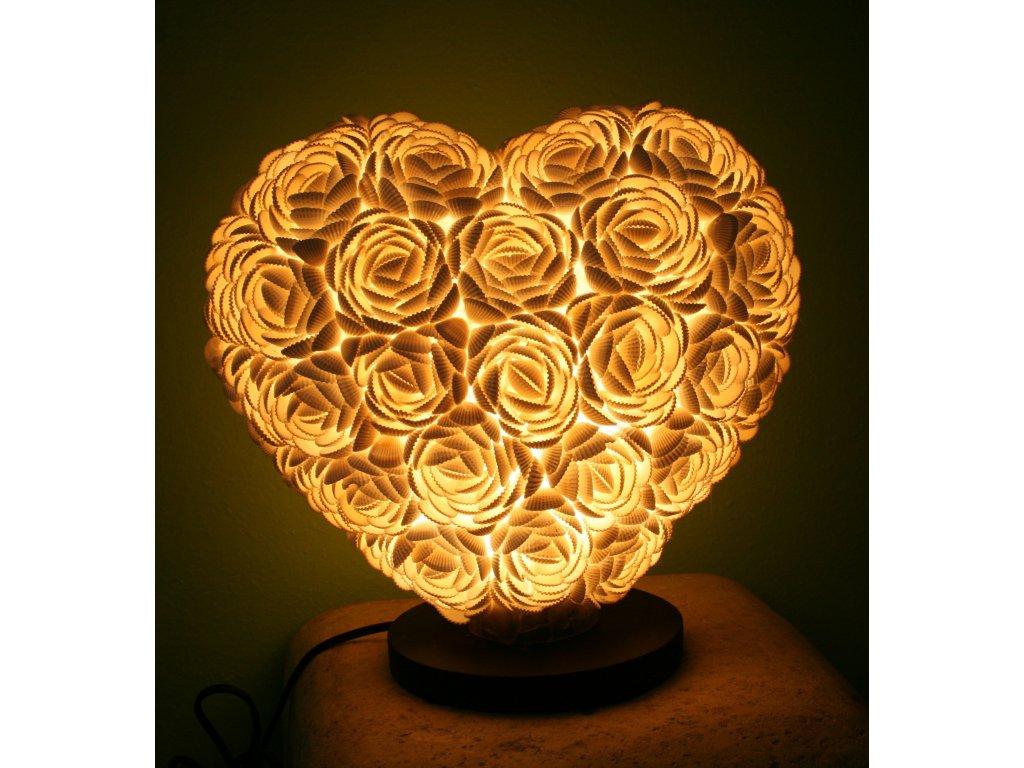 Originální stolní lampa z lastur (mušlí) srdce 26cm