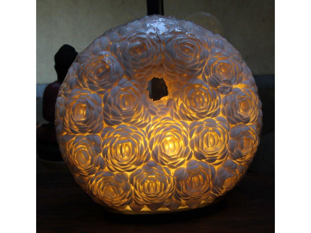 Originální stolní lampa z lastur (mušlí) donut velikost S,M,L  (30 až 50cm)
