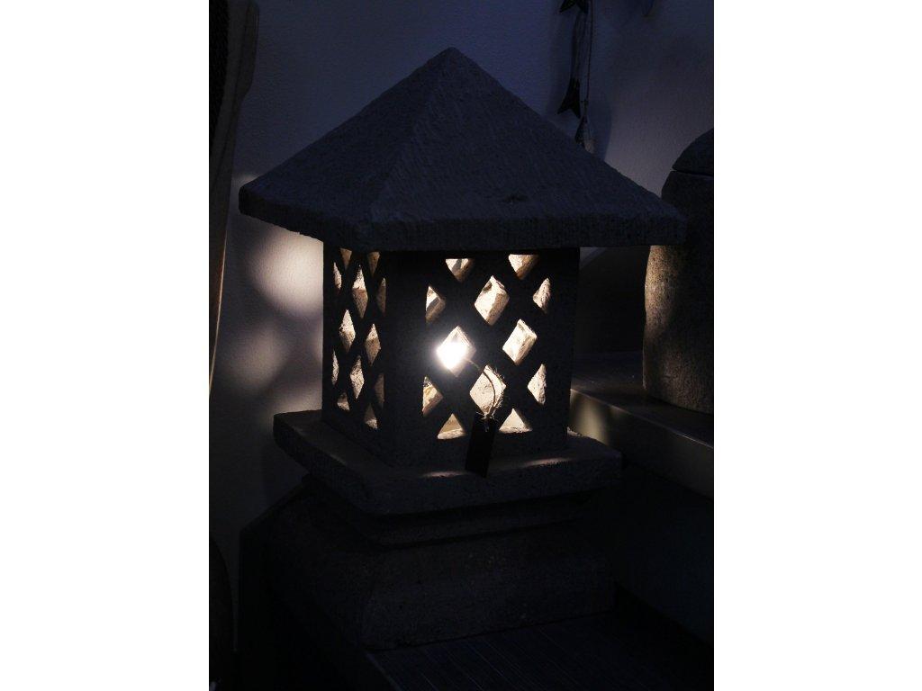 Orientální zahradní lampa pagoda - svítilna 50x30x30cm
