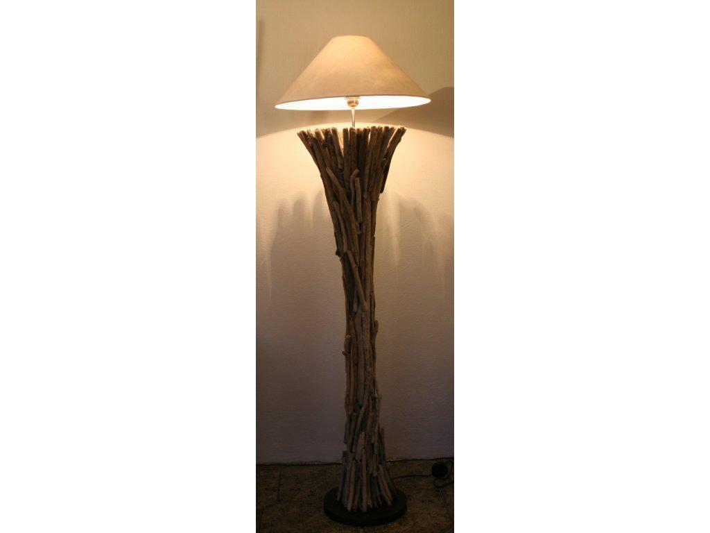 Lampa z vyplaveného dřeva s teleskopickou tyčí 150x50x20cm