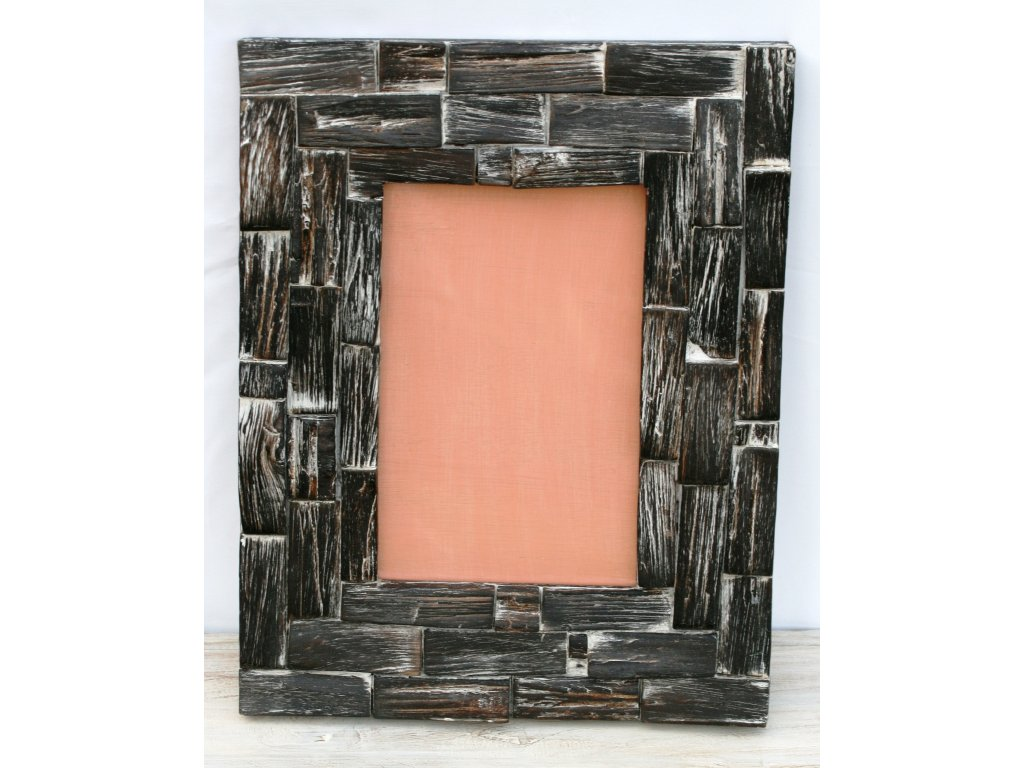 Ručně vyřezaný rám se sklem R1 35x45cm