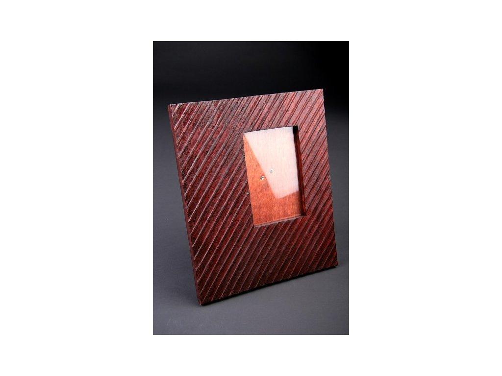 Ručně vyřezaný rámeček se sklem 30x25cm model B