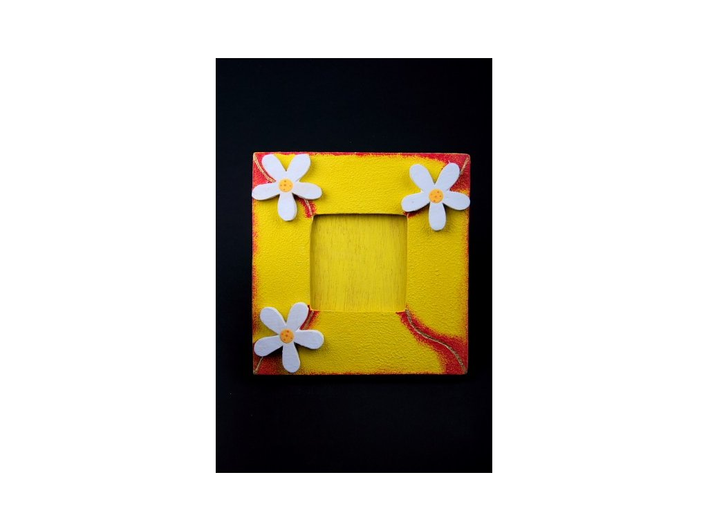Dřevěný zdobený fotorámeček žlutý s vlnkou 20x20cm