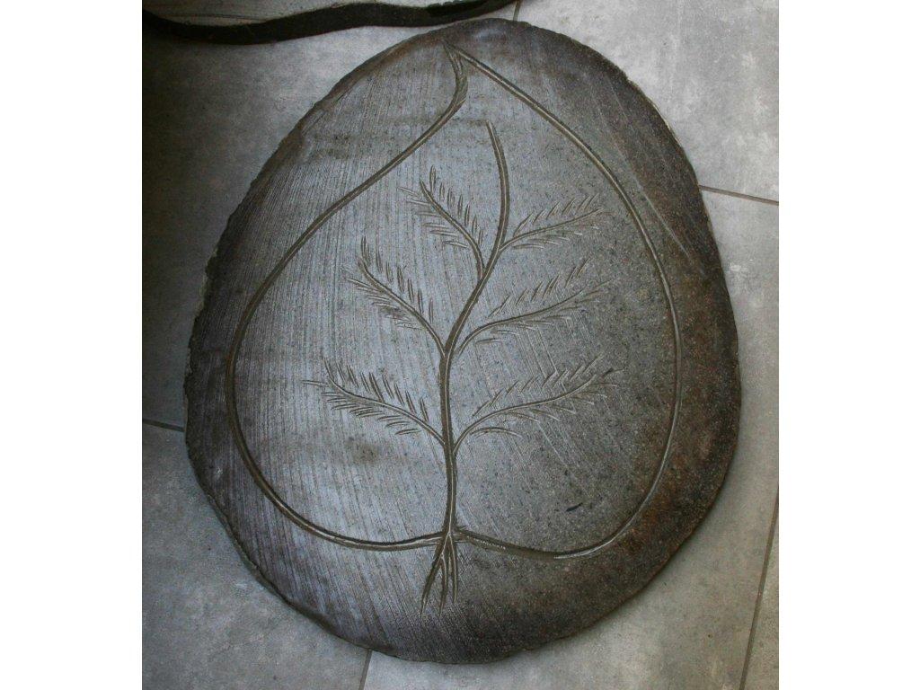 Kamenný nášlap čedič vzor list - 46x55cm