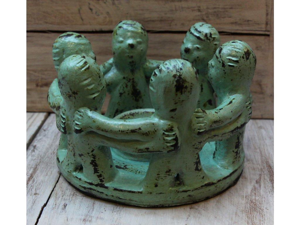 Svícen na svíčku - lidi u ohně, pruměr 20cm, zelená patina